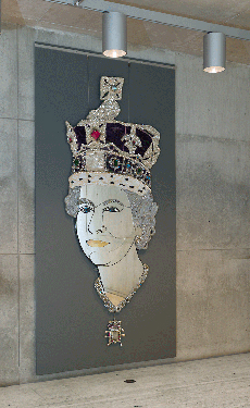 "Andrew Logan, ""Her Majesty, 1992–2012,"" mixed media, faux bijoux, and mirror, Yale Center for British Art, courtesy Polaris Arts, Ltd, © Andrew Logan. (Photo by Richard Caspole)"