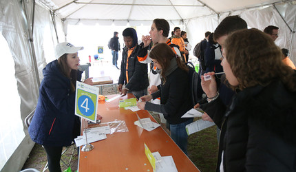 Students signing up for the Be the Match registry during the 2018 Mandi Schwartz Drive at Yale University