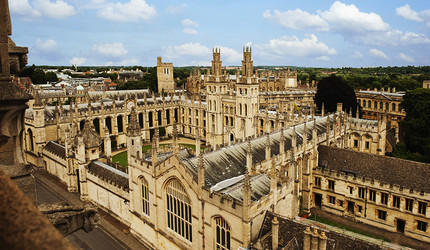 An aerial photo of the Oxford University campus.