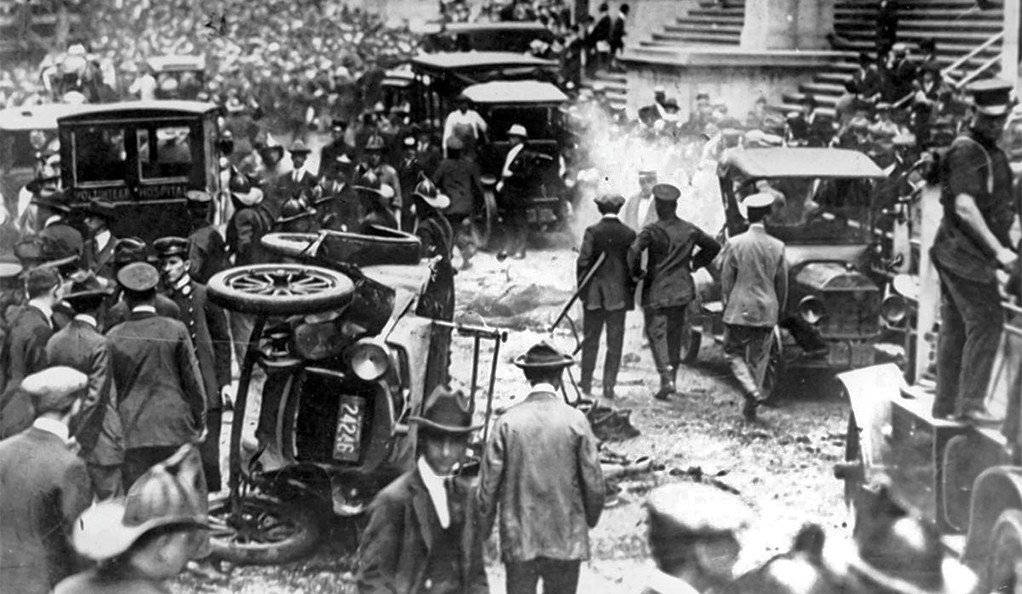 A photo of the aftermath of the 1920s Wall Street bombing in New York City.