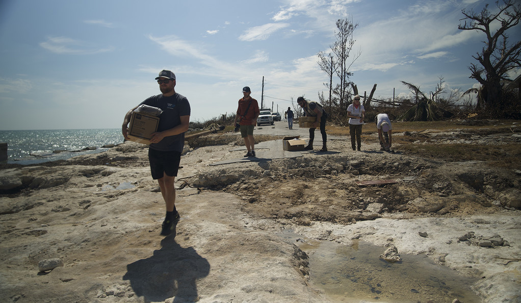 Gator Halpern '15 M.E.M. and others from the Coral Vita team deliver supplies.