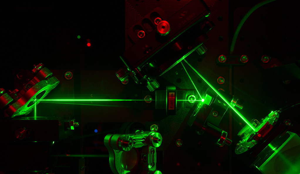 Laser beams in a 4Pi-SMS super-resolution microscope.