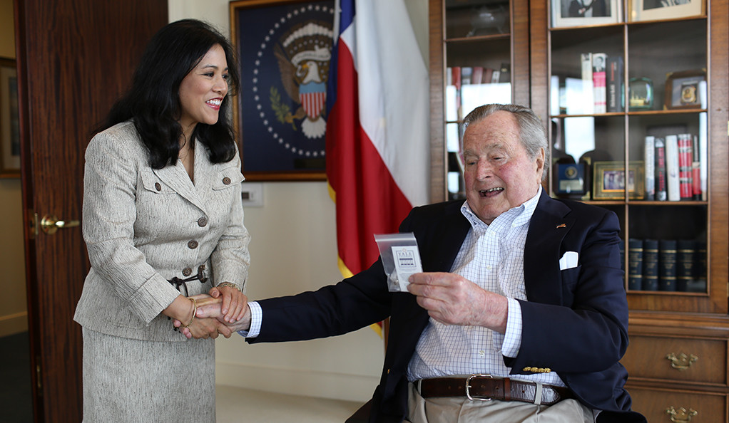 A Yale veteran congratulates George H.W. Bush