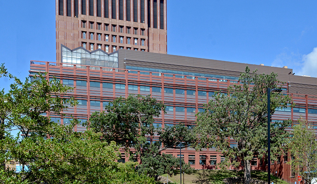 A view of the new Yale Science Building from Whitney Avenue.