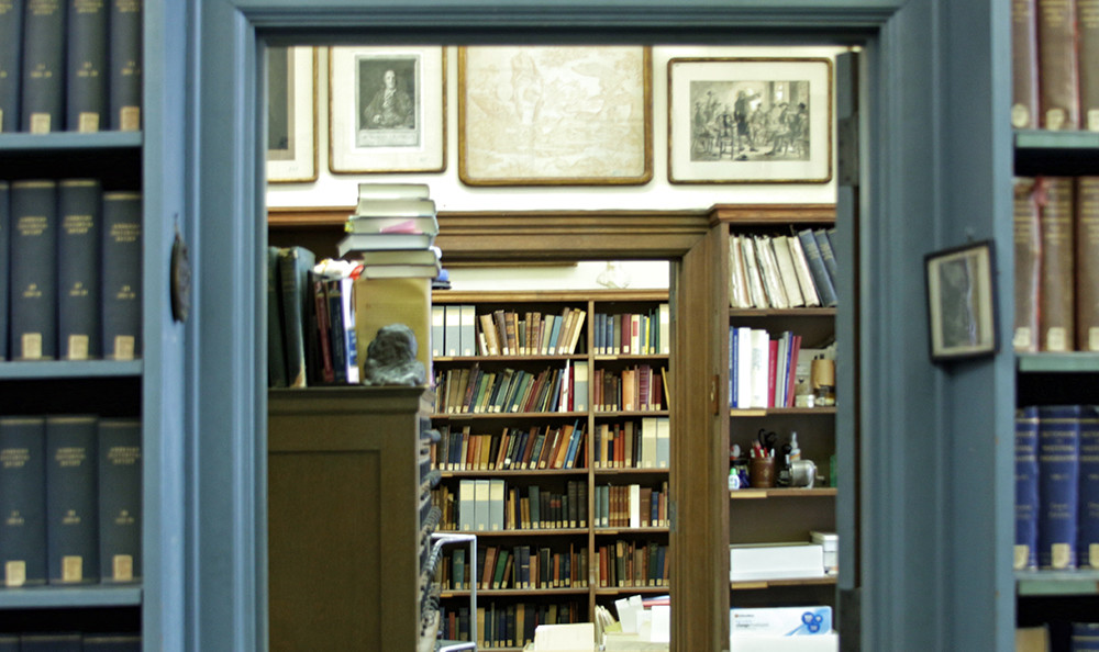 A library room containing papers and archives related to Benjamin Franklin.