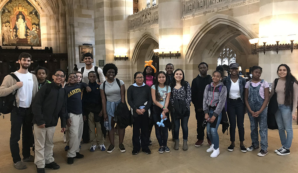 New Haven sixth graders and their undergraduate mentors at Yale.