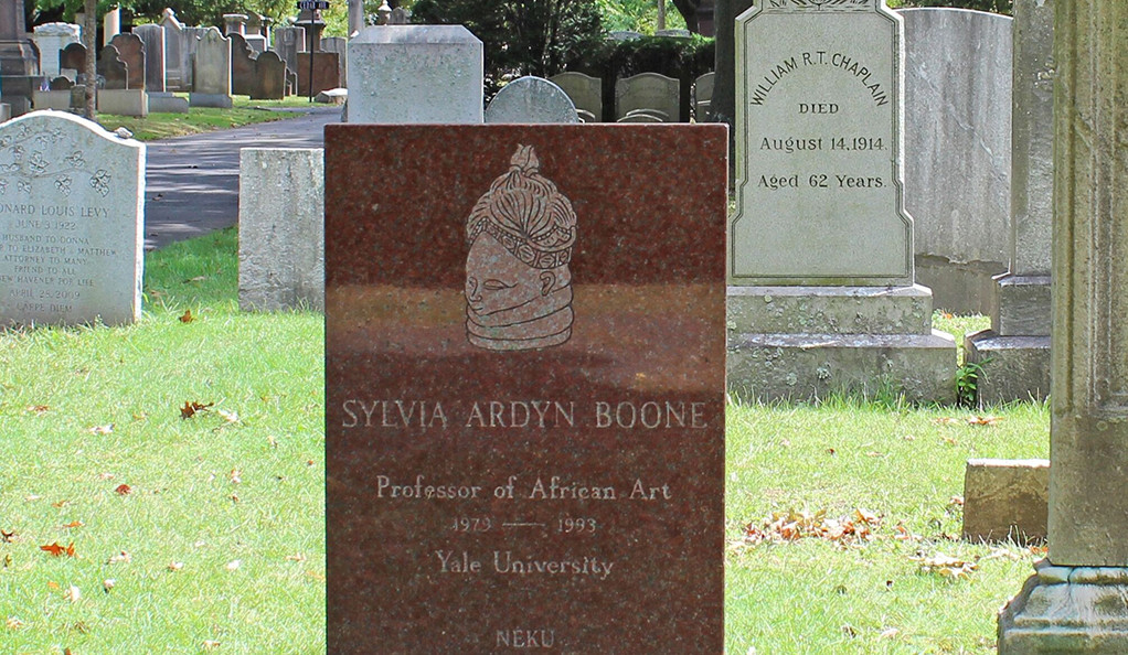 The headstone of Sylvia Boone, an art historian and the first African-American woman to receive tenure at Yale.