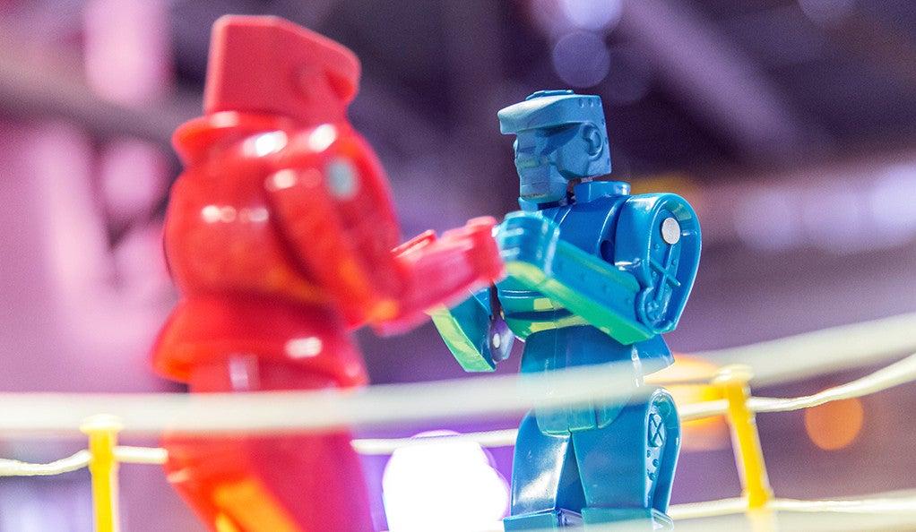 red and blue rock em sock em robots