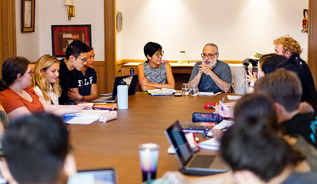 "Yale Professors Tina Lu and Shawkat Toorawa lead students in a new first year Yale seminar called ""Six Pretty Good Books."""
