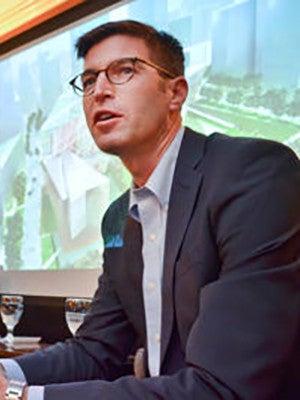 Architect Michael Arad speaking at Yale University