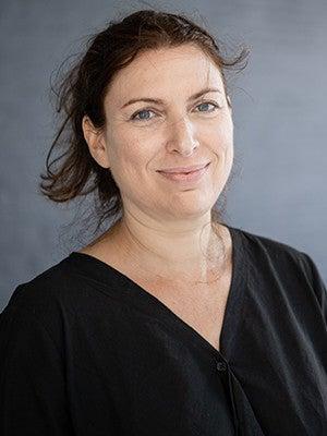 Annie Dorsen '96, '00 M.F.A.