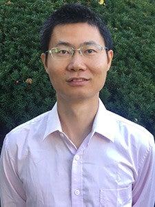 Photo of professor Zhiwei Yun.
