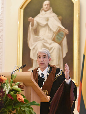 President Peter Salovey received an honorary degree from Vytautas Magnus University in Kaunas, Lithuania.