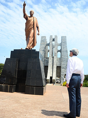 President Salovey reflects at the Kwame Nkrumah memorial statue at the Kwame Nkrumah Mausoleum and memorial park in Accra, Ghana