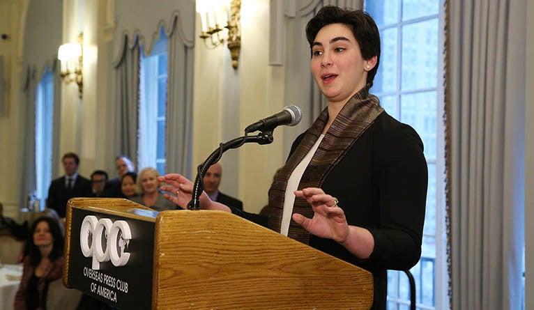 Amelia Nierenberg speaks at the Overseas Press Club award ceremony.