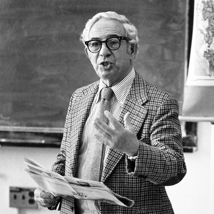 Arthur Galston delivering a lecture
