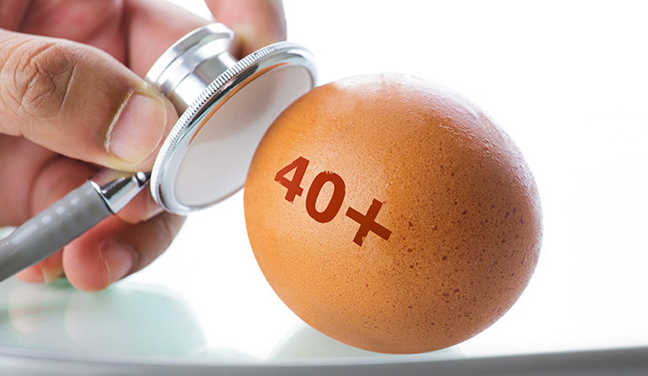 A stethoscope applied to a chicken egg with 40+ stamped on it