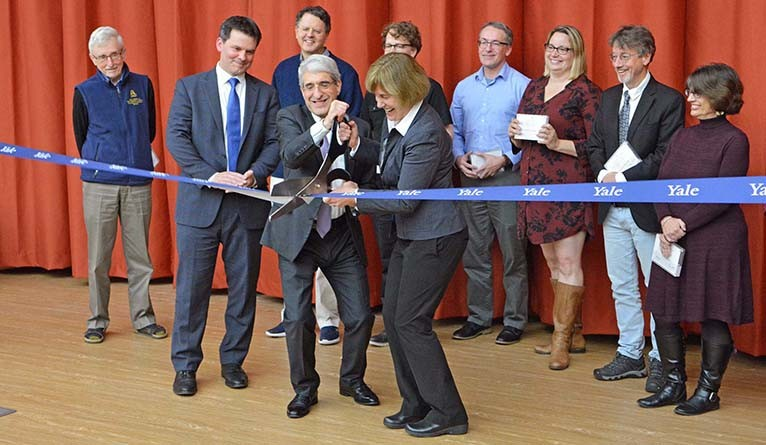 Salovey and Pyle officially cut the ribbon