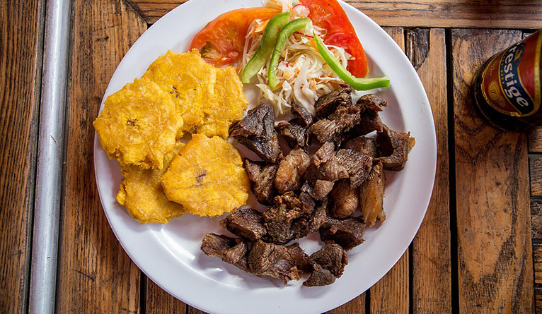 A plate of Haitian griot.