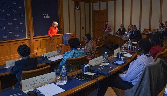 María Teresa Fernández de la Vega addressing Leadership Forum for Strategic Impact participants in 2016.