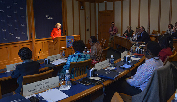 María Teresa Fernández de la Vega addressing Leadership Forum for Strategic Impact participants in 2016.
