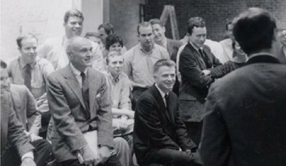 A photo of the 1960 photo of the Fourth-Year Yale School of Architecture Jury.