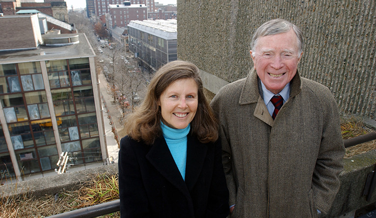 Vincent Scully and wife Catherine Lynn posing in New Haven.