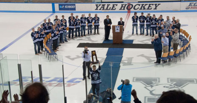 Yale welcomes home hockey champions | YaleNews