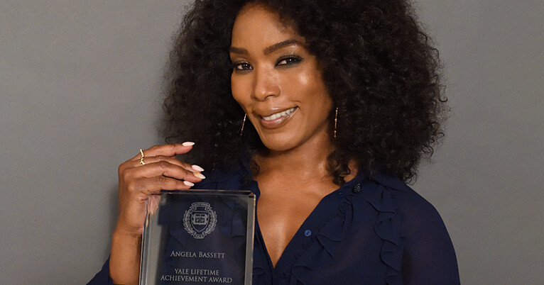 Yale undergrads honor actress Angela Bassett for inspiration, achievements