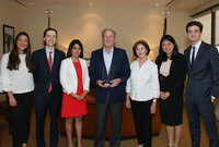 George and Laura Bush with representatives from the Yale College Council.