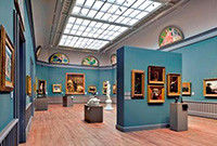 An exhibition hall in the Yale University Art Gallery.